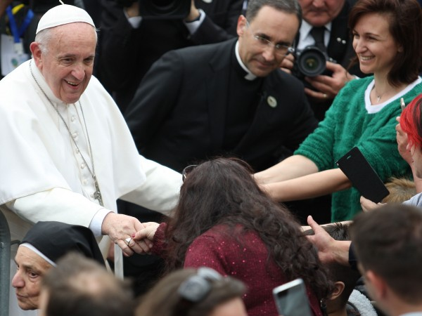 """""""Посланията на папата са глобални. Той е един от най-популярните"""