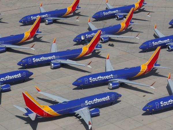 Няколко месеца след катастрофата на Етиопските авиолинии, в която се