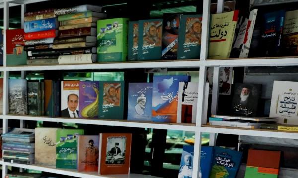 Книжните клубове в Кабул: Литературата в страна с 31% грамотно население