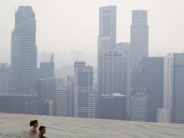 Сингапур - най-мощната икономическа държава и най-важният пристанищен транспортен център