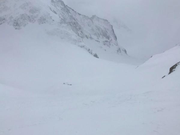 Седем туристи са изчезнали след падане на лавина в планините