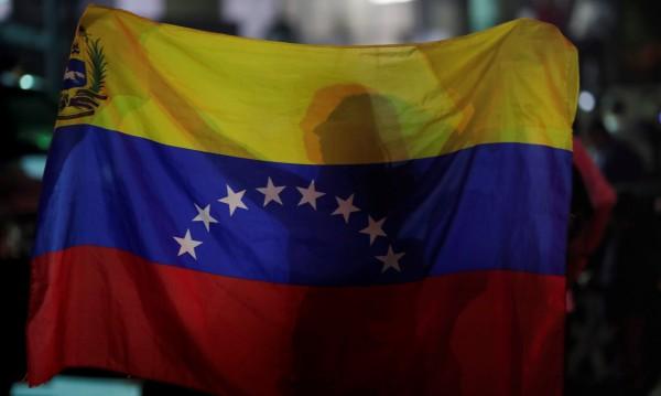 Какви са сценариите за Венецуела след неуспешния метеж срещу Мадуро?