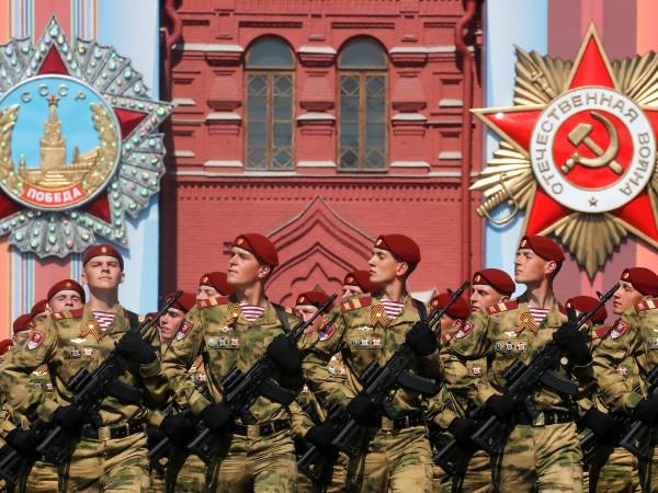 Русия чества 74-ата годишнина от победата във Великата отечествена война.