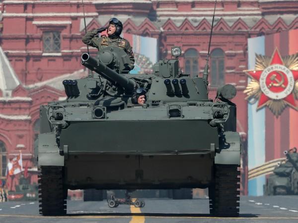 В Далечния изток на Русия вече се състояха военни паради,
