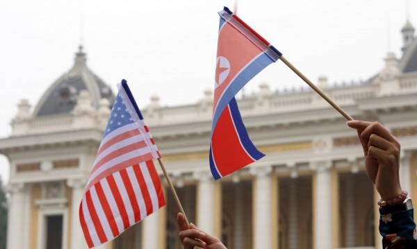 САЩ задържали кораб на КНДР, превозващ въглища