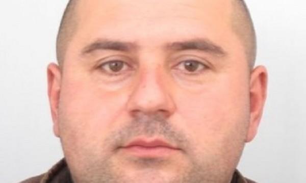 МВР издирва този мъж за убийството в Костенец