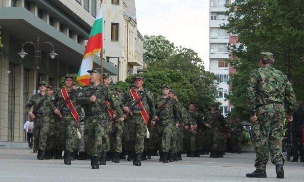 Голям интерес за военна служба, отпуснаха още 160 места