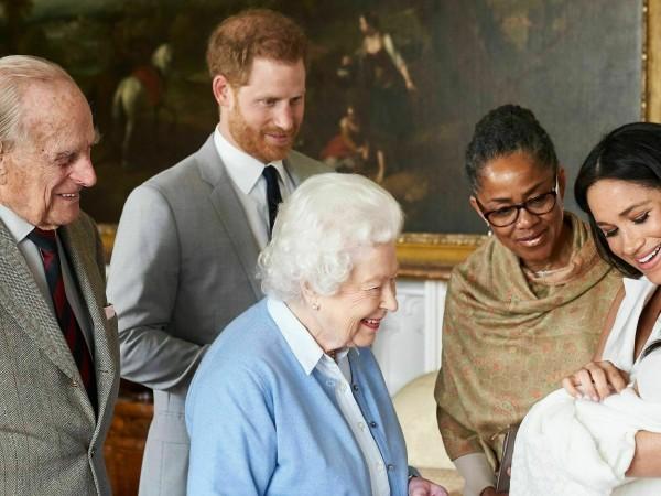 Арчи - името на най-новото попълнение в британското кралско семейство,