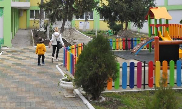 С 1000 места повече в детските градини. И пак не стигат!