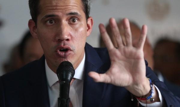 Политическа криза: Гуайдо поиска помощ от Пентагона