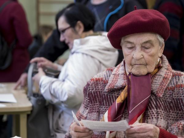 Литовците гласуват днес на президентски избори. Повечето от кандидатите обещават