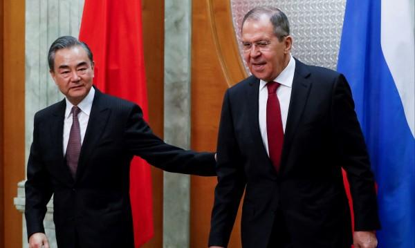 Китай и Русия смъмриха САЩ заради генериране на кризи