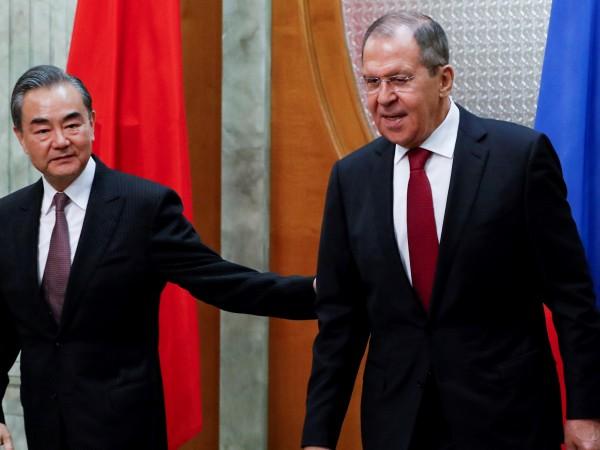 Министрите на външните работи на Русия и на Китай Сергей