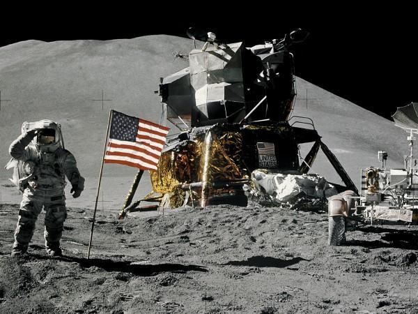 Американското космическо ведомство кръсти новата си програма за изпращане на