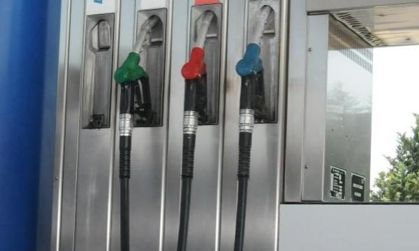 Прогноза: Тол таксата вдига горивата средно с 3-4 ст. на литър