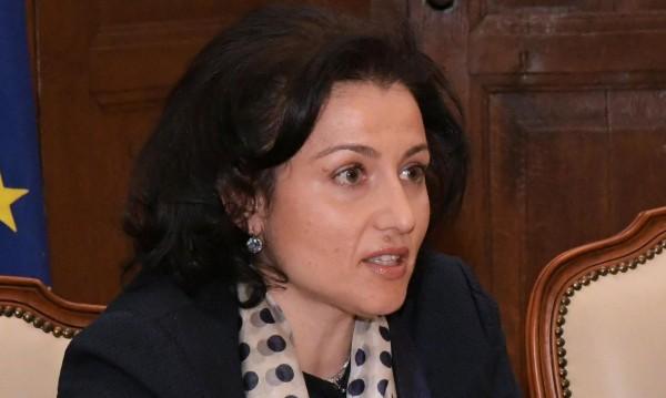 Десислава Танева поема земеделското министерство