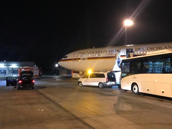 Правителственият самолет на германския канцлер Ангела Меркел не можа да