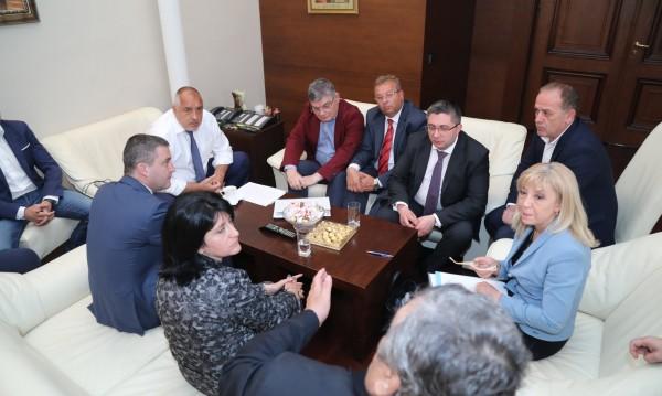 След среща при Борисов - отлагане. Тестват тол системата 3 месеца