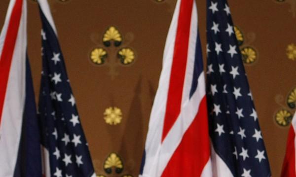 Напрежението около Иран и пукнатините между САЩ и Великобритания