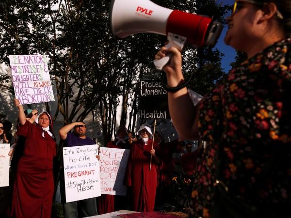 Гражданки на щата Алабама излязоха на протест, за да защитят