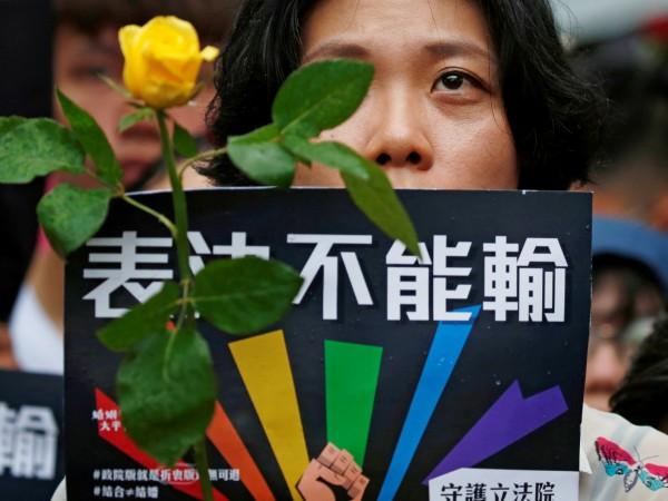 Тайван стана първата страна в Азия, легализирала еднополовите бракове. Парламентът
