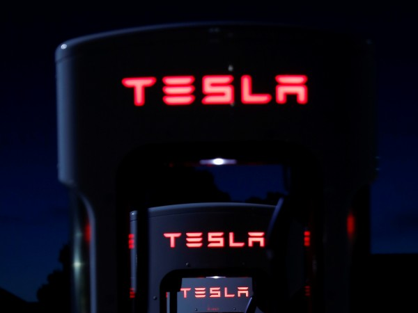 Случи се отново – перфектният автопилот на Tesla разби поредния
