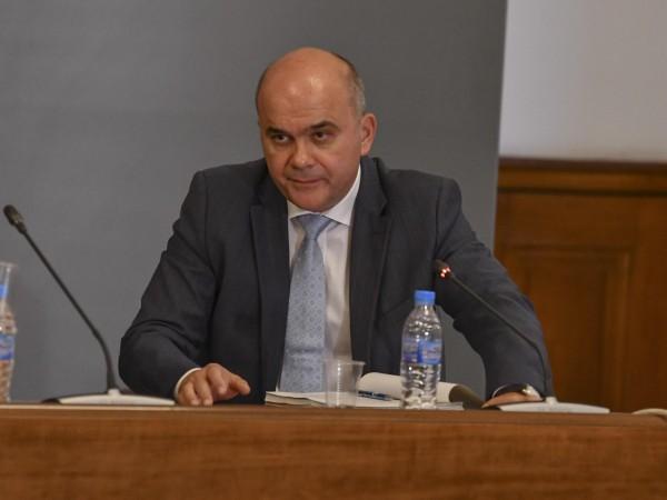 За пореден път социалният министър Бисер Петков успокои противниците на