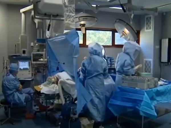 Френски лекар е обвинен за отравянето на 24 души. Деветима