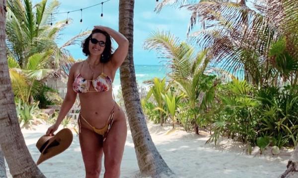 Подгрява за лятото: Ашли Греъм по бански в Мексико