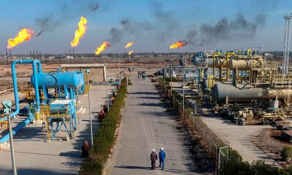 Спешно евакуират служители от иракско петролно находище