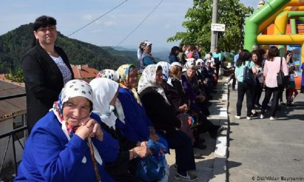 Европа и GB селото: За едни дели семейства, за други е спасение