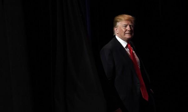 """Тръмп сипе заплахи към Иран в социалните мрежи: """"Край""""!"""