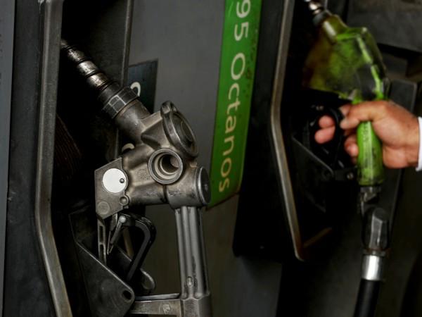 Във Венецуела избухнаха нови протести заради разпределянето на бензин, дизел