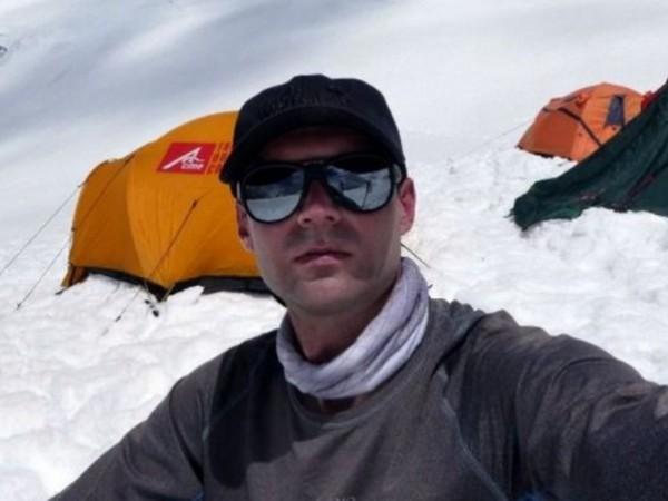Загиналият алпинист Иван Томов ще остане завинаги в Хималаите. Той