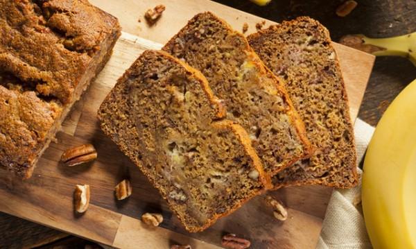Рецептата Dnes: Бананов хляб с пълнозърнесто брашно