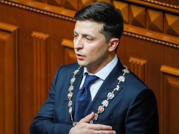 """Володимир """"Зеленски разпусна парламента и е готов да установява мир"""