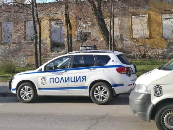 Полицията в Пловдив е задържала 58-годишен ексхибиционист в парк в