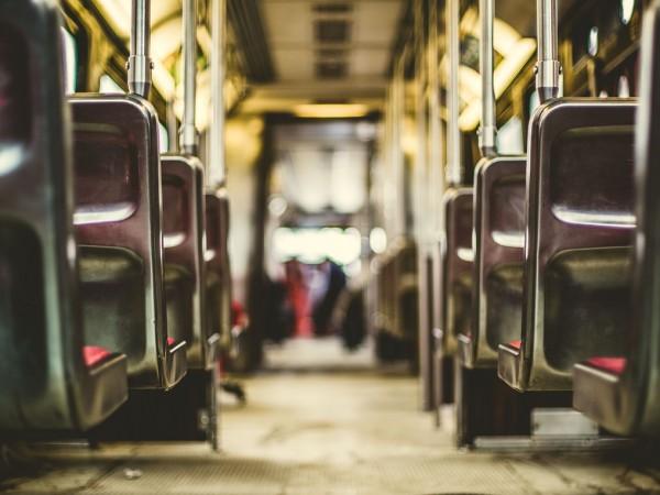 Пътни полицаи хванаха водач на автобус, превозващ работници от с.