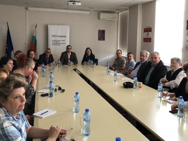 До момента представителите на България в Европейския парламент не взимаха