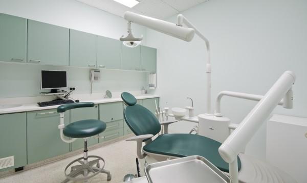 Петима зъболекари с обвинения за източване на НЗОК