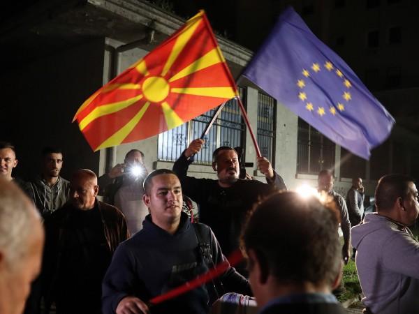 България няма изградени ясни държавни политики към Северна Македония, а