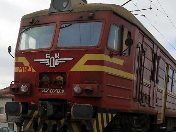 БДЖ ще осигури над 8000 допълнителни места във влаковете за