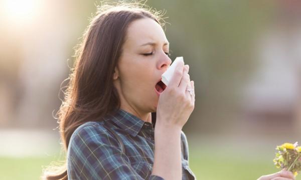 Алкохол, плодове... 7 неща, които влошават алергиите