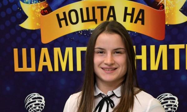 Шампионката по борба Биляна Дудова е опитала да се самоубие