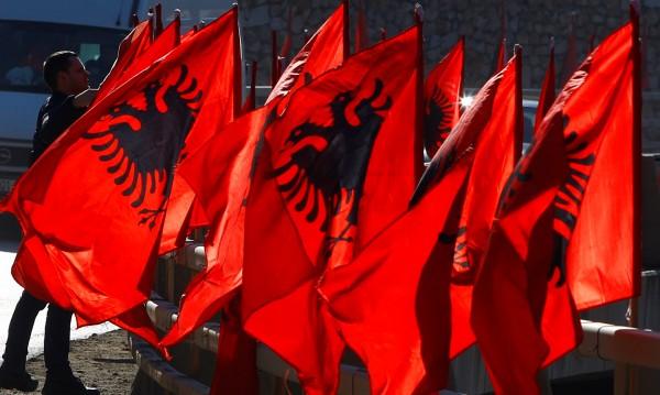 Върви ли се към Велика Албания и Велика Сърбия?