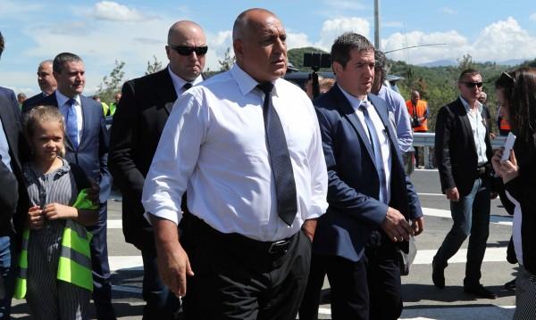 """Пуснаха нов участък от АМ """"Струма"""", избягва се влизането в Благоевград"""