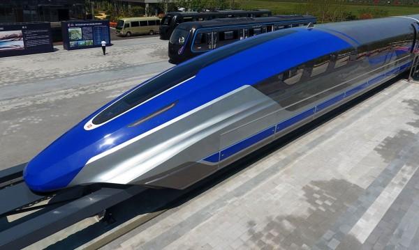 """Китай пусна първия влак с магнитна левитация, """"лети"""" с 600 км/ч"""