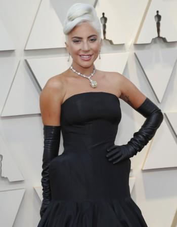 Лейди Гага превзема и театъра