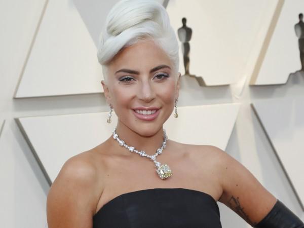 В сряда Лейди Гага обяви, че за пръв път от