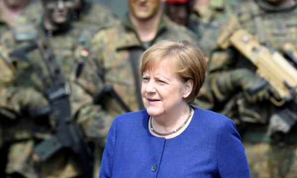 Меркел била взела правилното решение за бежанците
